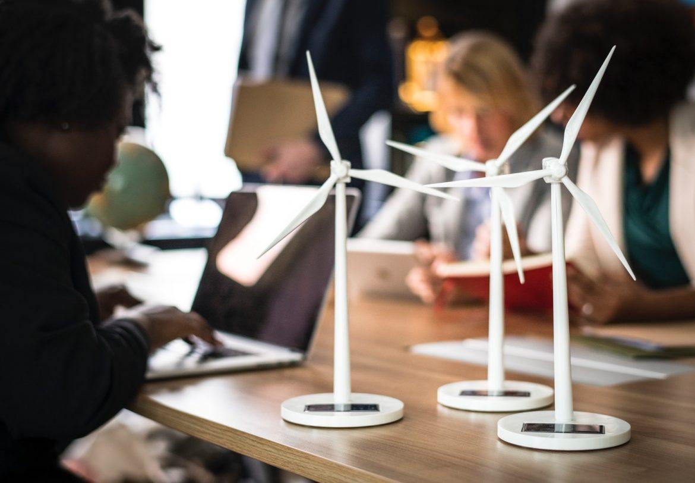 alternative-energy-blur-business-people-1076807